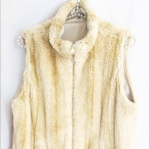 Women's Size Sm./Med. Faux Blonde Fur Zip-Up Vest